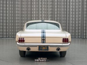Ford_Mustang_For_Christmas5