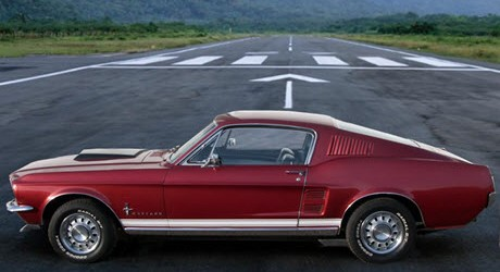 mustang-on-runway-small